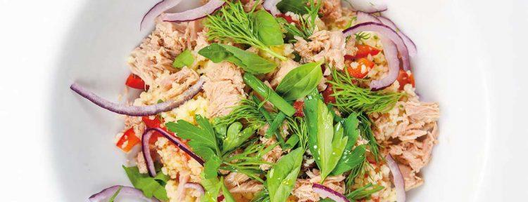 Couscous salade met tonijn en groene kruiden - Gezond aan tafel - recept