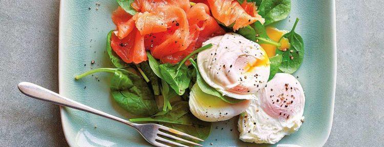 Paleo gepocheerde eieren met gerookte zalm - Gezond aan tafel - recept
