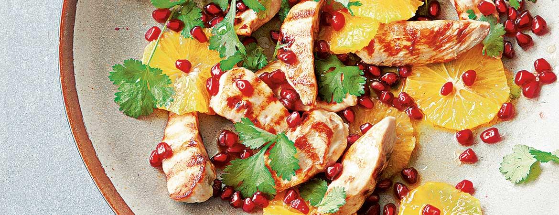 Paleo kip salade met sinaasappel en granaatappel