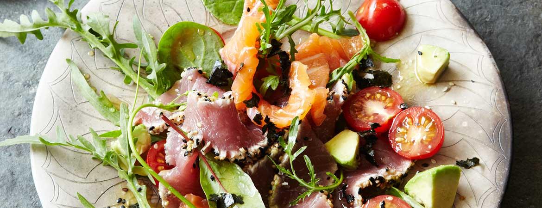 Paleo zeewier salade met sashimi