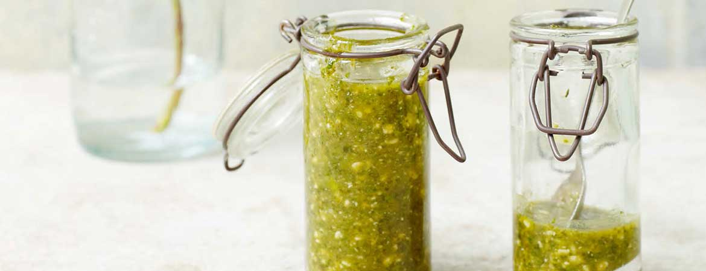 Pesto met munt en cashewnoten