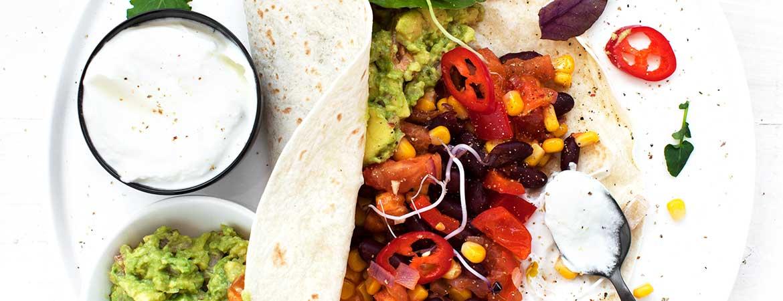 Burrito's met kidneybonen, mais en paprika