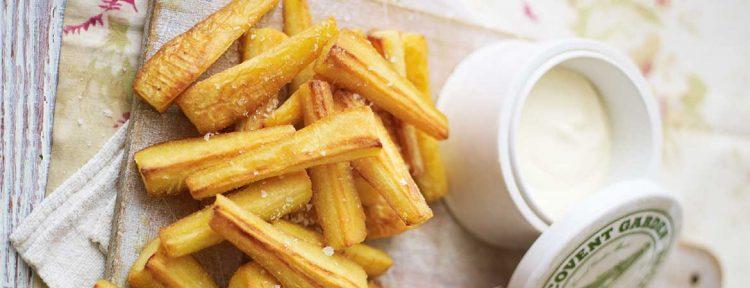 Geroosterde pastinaak friet met mieriksworteldip - Gezond aan tafel - recept