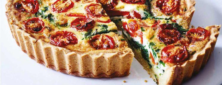 Quiche met amandel bodem en spinazie, tomaat en rode paprika - Gezond aan tafel - recept