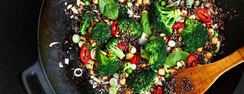 Quinoa met geroerbakte groenten