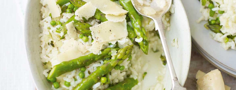 Risotto met erwtjes en asperges uit de oven