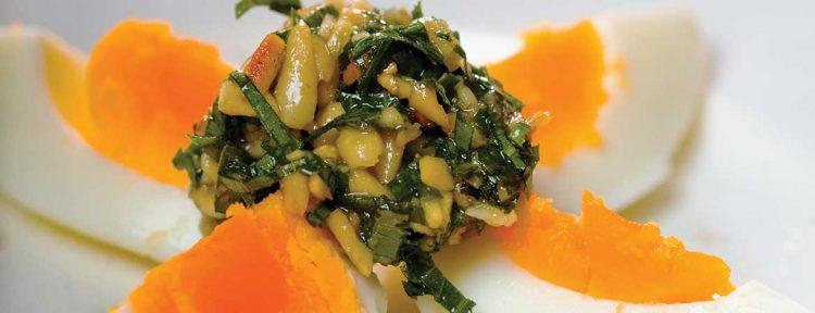 In ovis hapalis (eieren in pijnboompittensaus) - Gezond aan tafel - recept