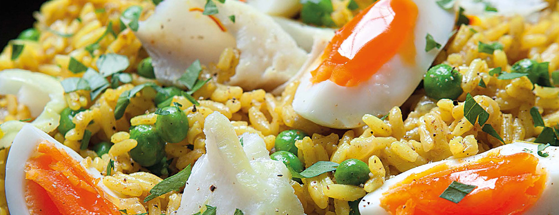 Lichte kedgeree met schelvisfilets en rijst