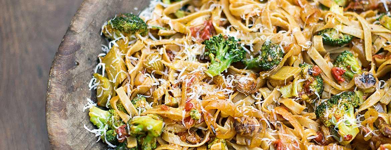 pasta met worst en broccoli van jamie oliver: vol met o.a. vitamine k, c