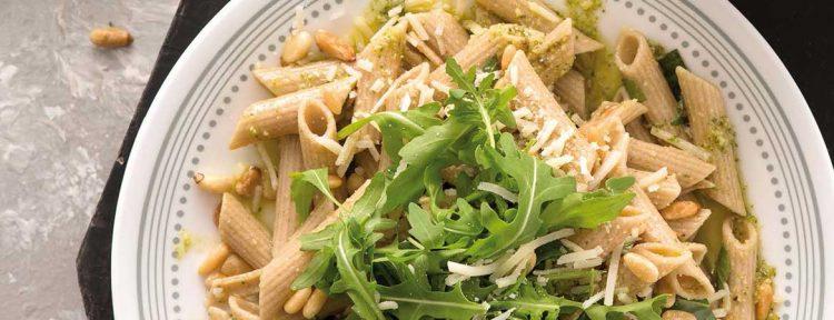 Pasta pesto van Fajah Lourens (Killerbody 2) - Gezond aan tafel - recept