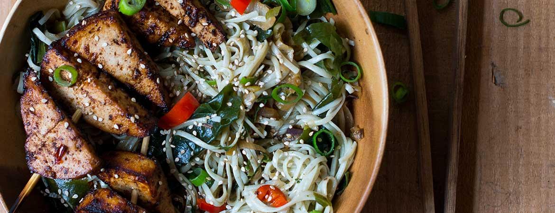 Zeewier noedels met spicy tofu