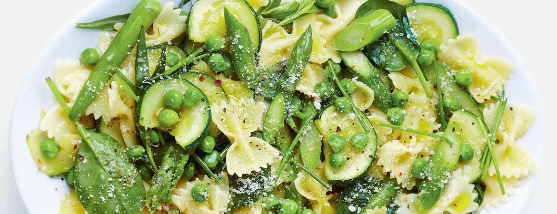 Farfalle met courgette, asperges en doperwten - Gezond aan tafel - recept