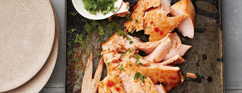 Zalm uit de oven met chilisaus + limoen