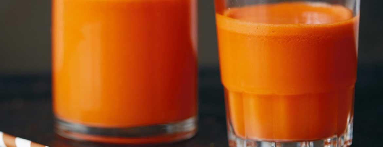 Sap van sinaasappel, zoete aardappel & wortel (Deliciously Ella)