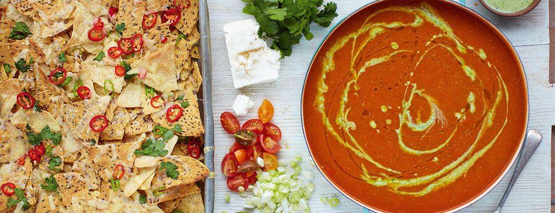 Mexicaanse tomatensoep met chili nacho's van Jamie Oliver