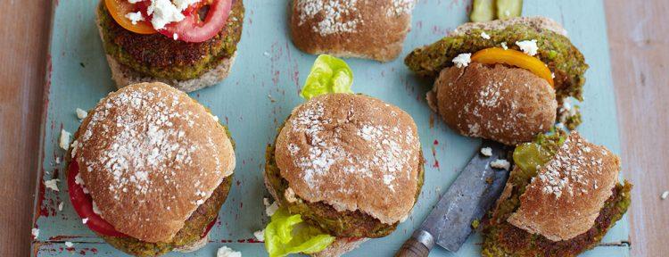 Vegetarische burgers met coleslaw en maïskolven - Gezond aan tafel - recept