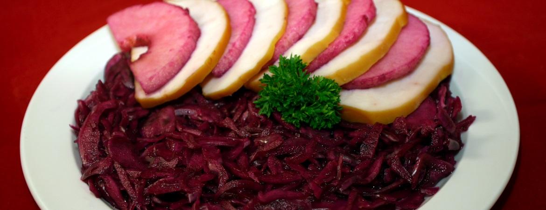 Salade met gerookte kip en rode kool