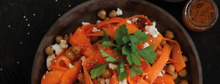 Wortellinten met feta, crispy kikkererwten en koriander - Gezond aan tafel - recept