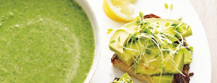 Broccoli-spinaziesoep met avocadotoast - Gezond aan tafel - recept