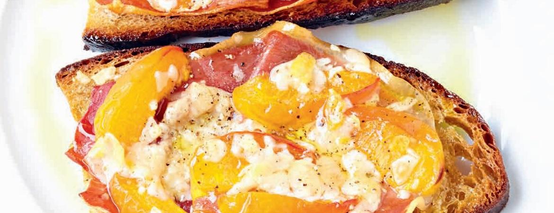 Ham-abrikoosbroodjes uit de oven