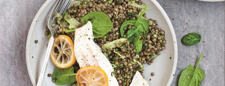 Linzen met spinaziepesto en vis