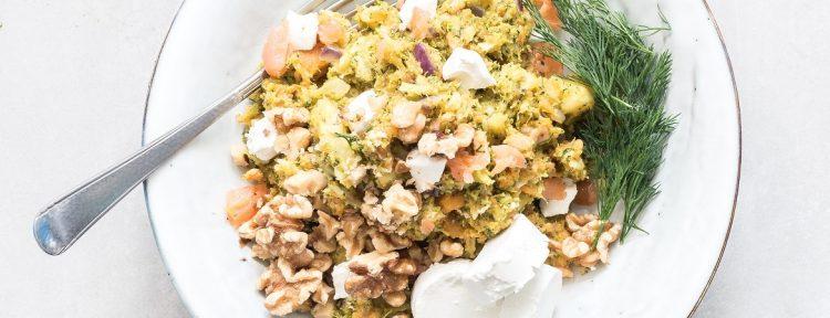 Stamppot broccoli-zoete aardappel met zalm, geitenkaas en walnoten - Gezond aan tafel - recept