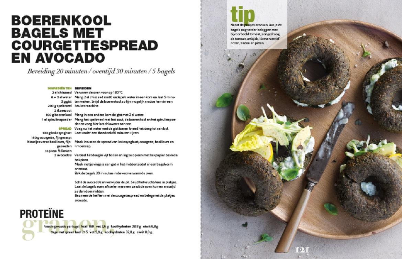 Boerenkoolbagels met courgettespread en avocado lekker for Vegan boek