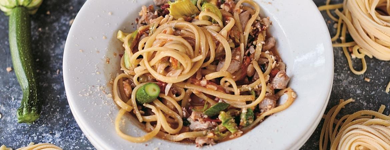 Fettuccine met tonijn (Jamie Oliver)