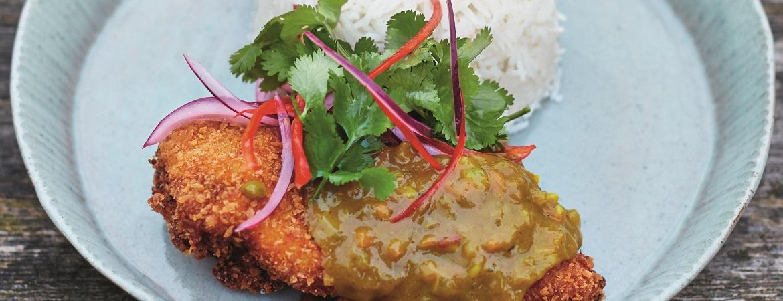 Kip katsu curry met kokosrijst & pickles (Jamie Oliver)