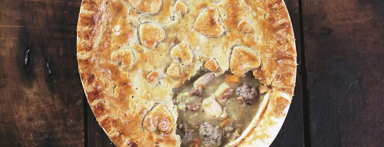 Kip pot pie met kalfsgehaktballetjes (Jamie Oliver)
