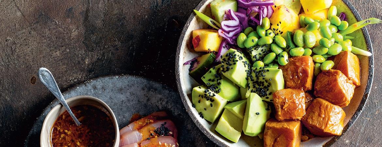 Koolhydraatarme poké bowl met tonijn