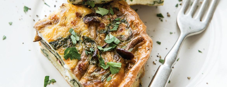 Frittata met champignons,  snijbiet en geitenkaas