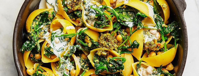 Gevulde pasta met pesto en spinazie