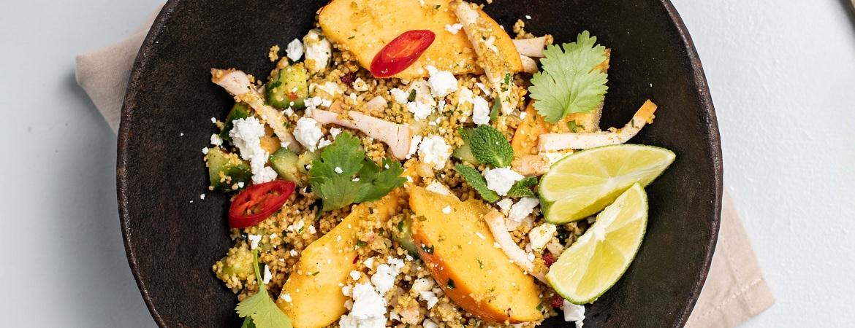 Couscoussalade met kip en kakifruit