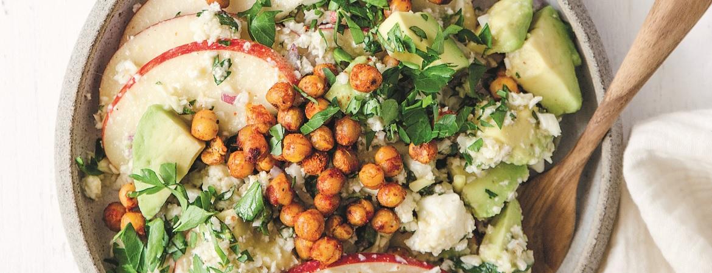 Taboulé met bloemkool, kikkererwten en avocado